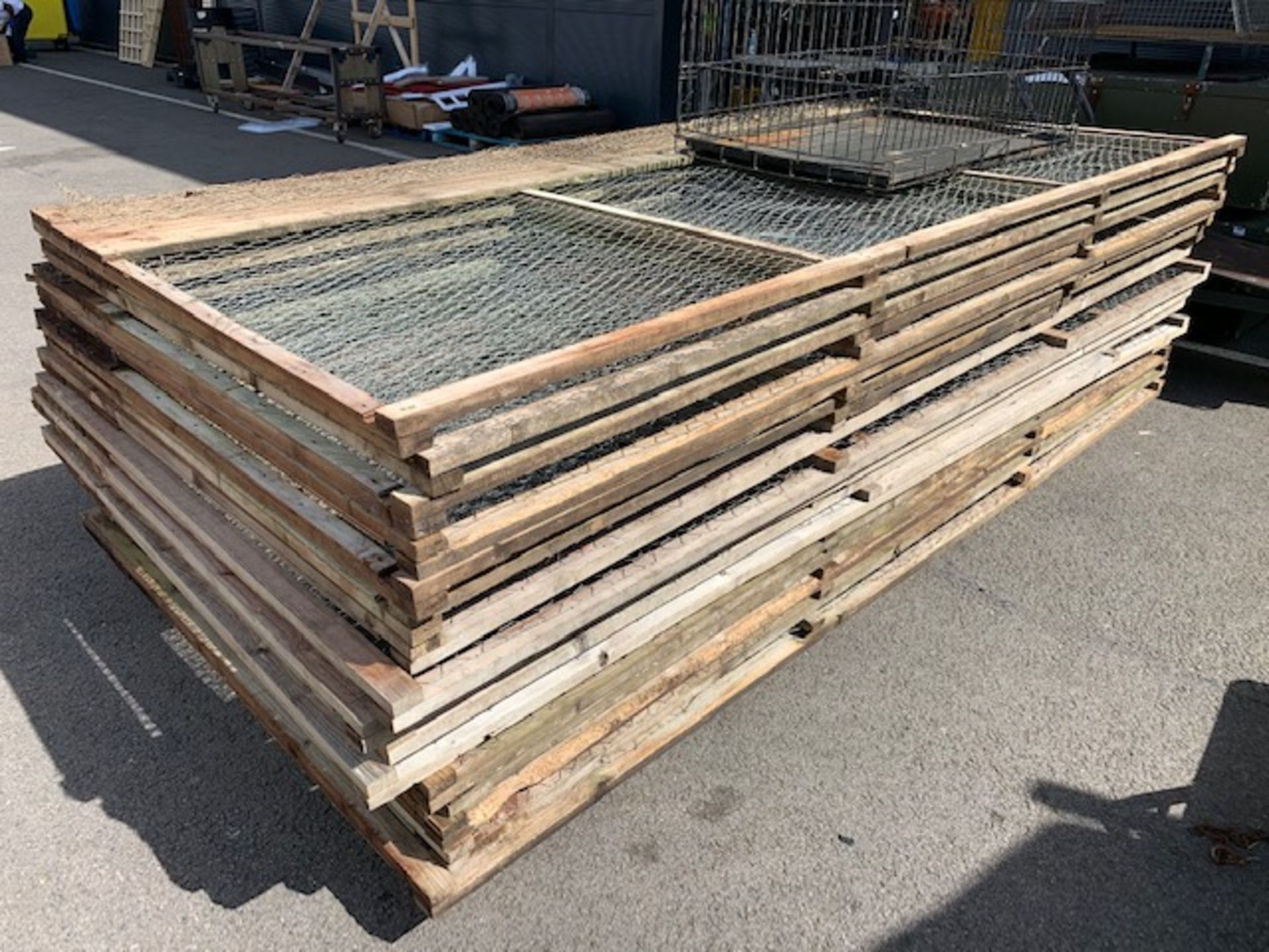 Quantity of wood and wire mesh Partridge pen panels - Image 2 of 2