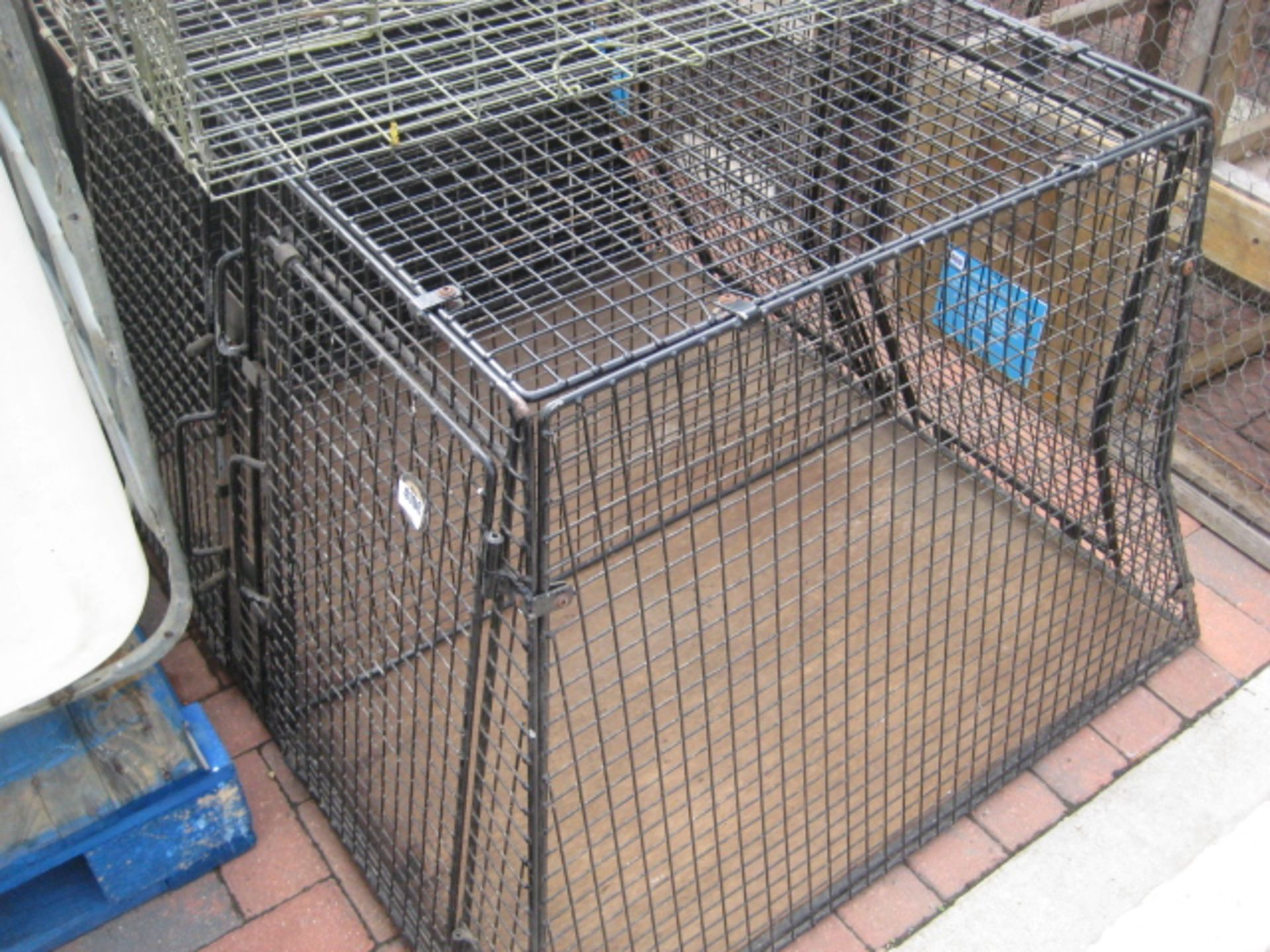 Lot 4106 - Steel wire mesh double Dog transit box
