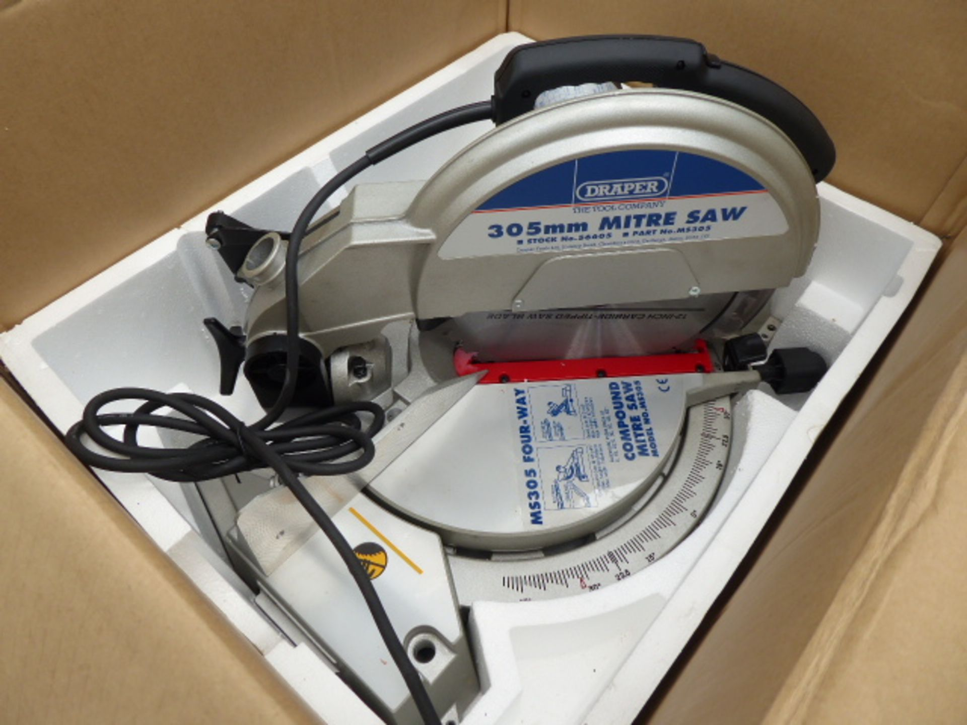 Lot 4873 - 110V boxed Draper compound mitre saw