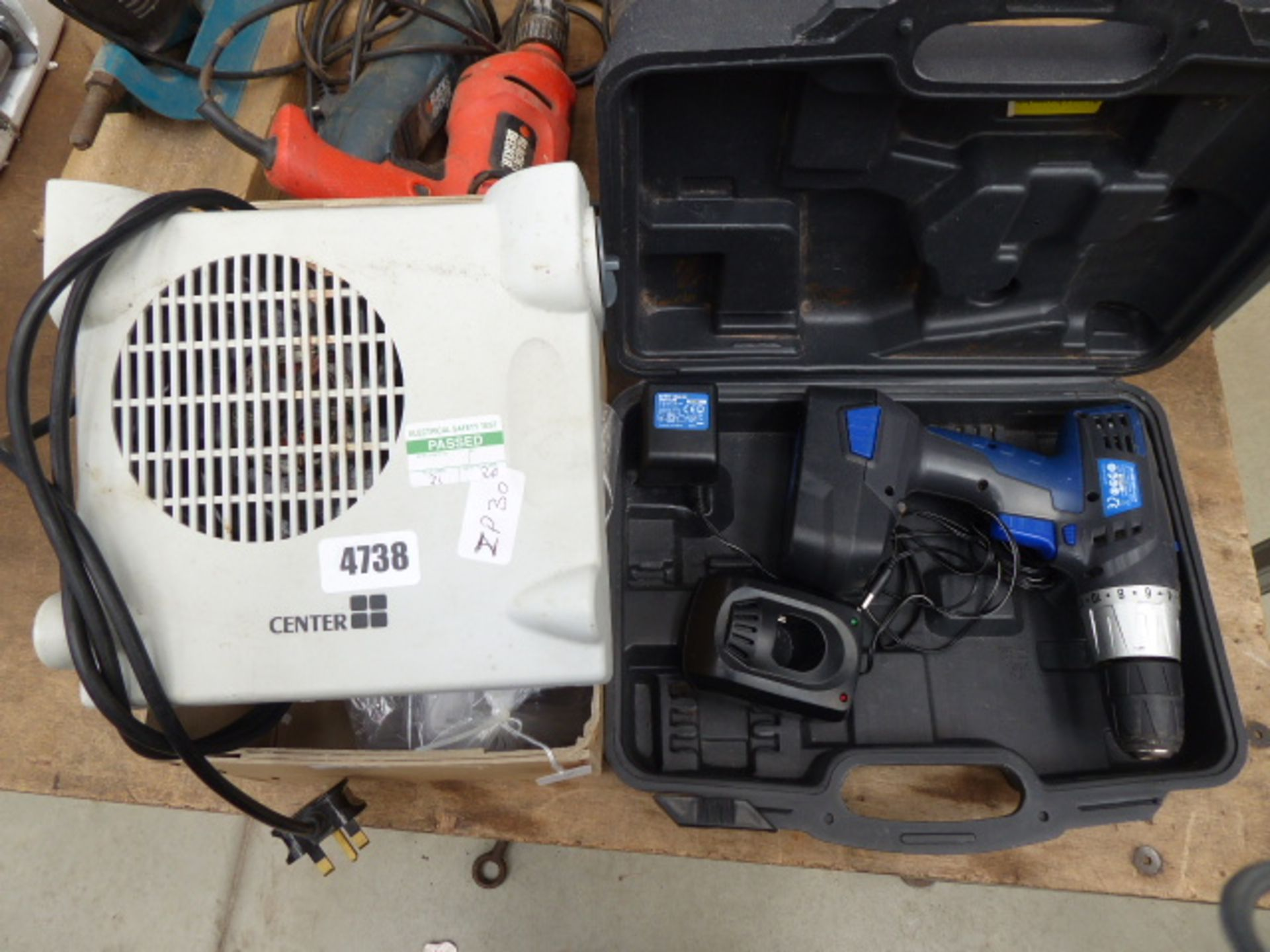 Lot 4738 - Small heater and a battery drill