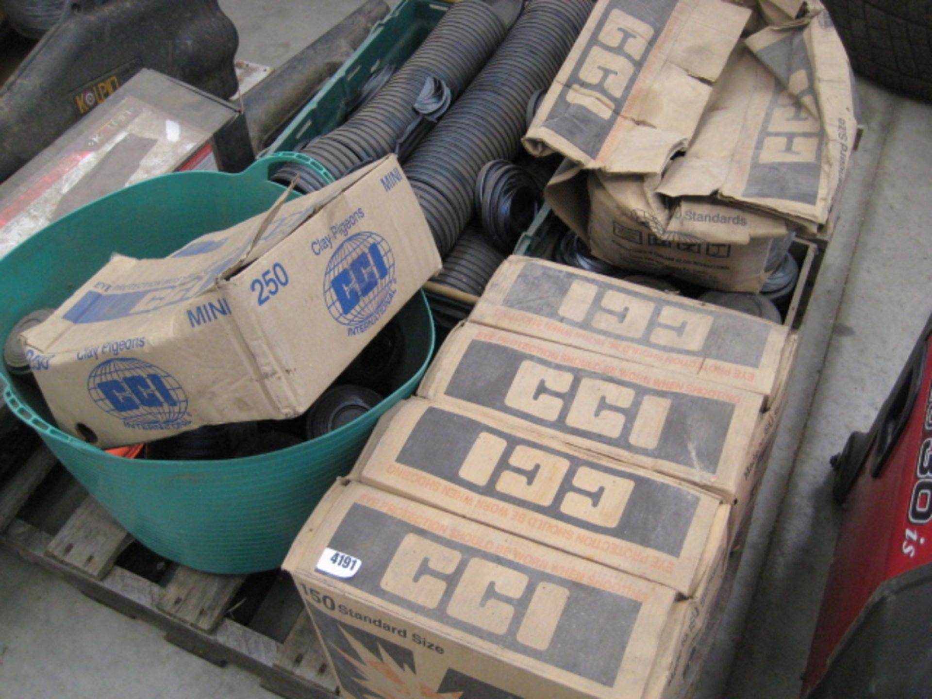 Lot 4191 - Large quantity of Clays