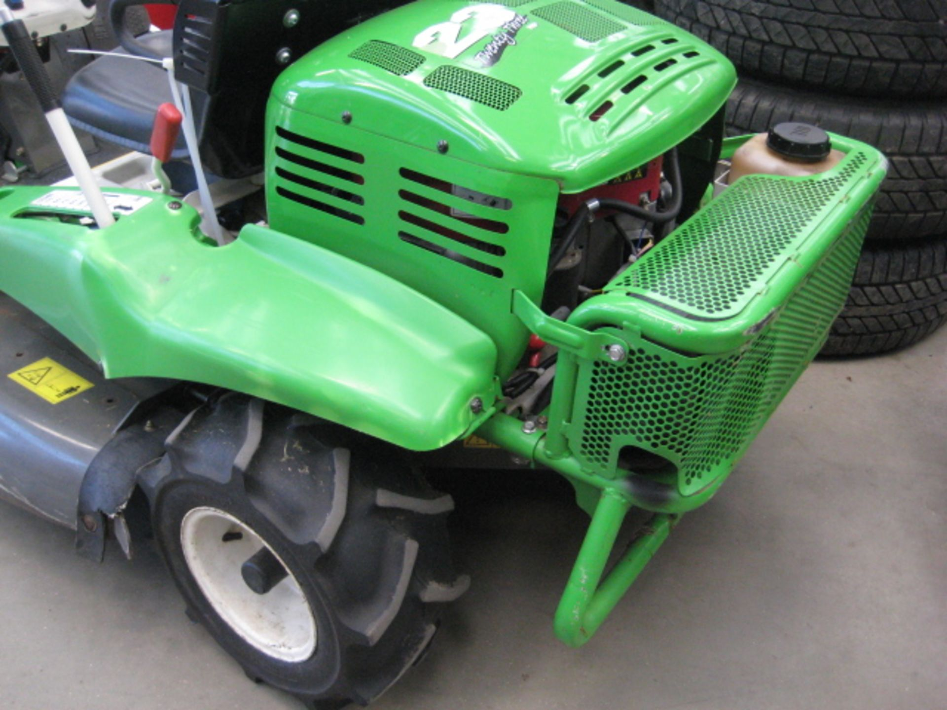Lot 4025 - Etessia AV98X 4x4 hydrostatic rough cut mower (2016), 40'' rotary cut, Briggs & Stratton 23hp V-Twin