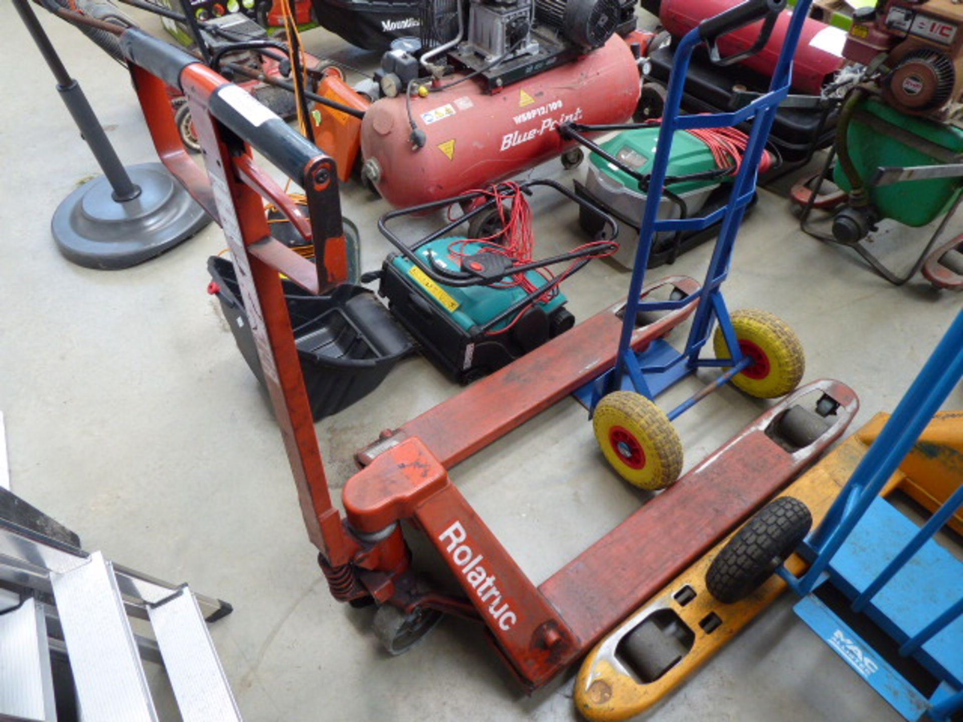 Lot 4484 - Red roller pump truck
