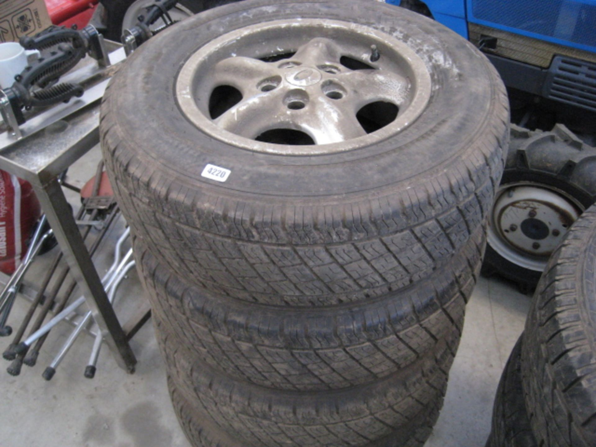 Lot 4220 - 4 Land Rover wheels and tyres size 235/70R16
