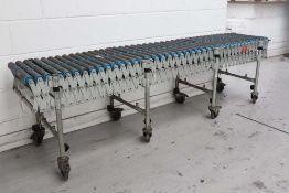Expandaveyor flexible roller table / conveyor