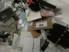 Bag containing quantity of various costume and dress jewellery