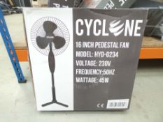 3534 Boxed Cyclone 3 spin fan