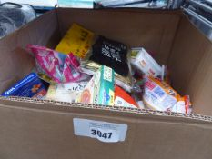 Large box containing mixed packets of world foods, noodles etc, dry foods etc