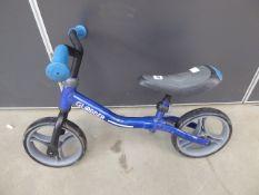 4021 Small balance bike