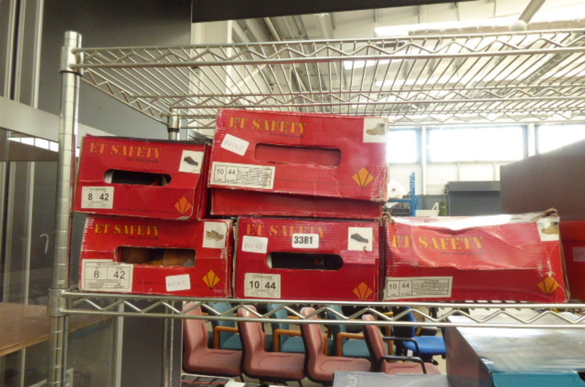 Lot 3381 - 5 Boxed pairs of safety shoes