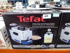 (61) Boxed Tefal filter fryer