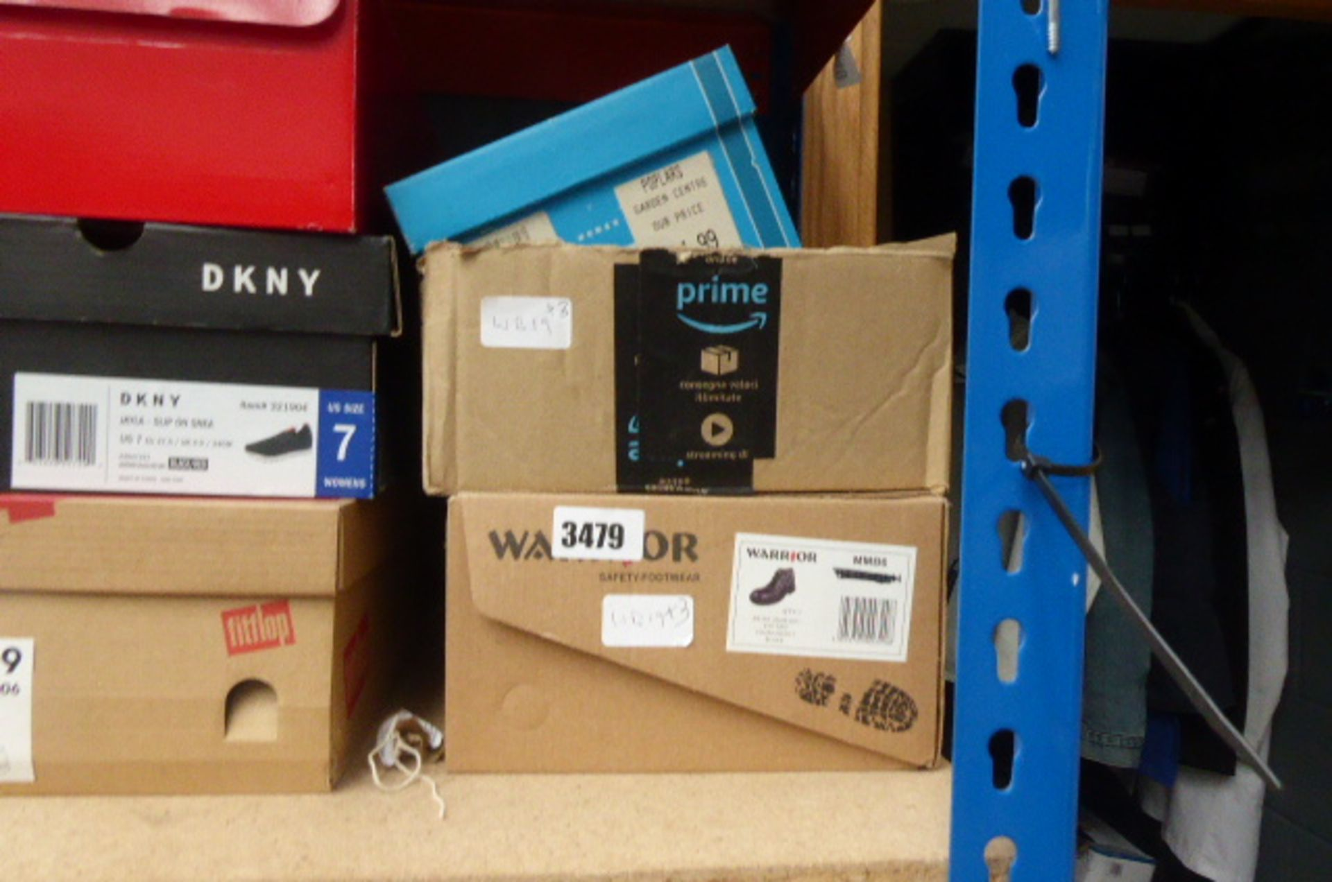 Lot 3479 - 3 boxed pairs of shoes incl. safety boots and 2 other pairs of shoes