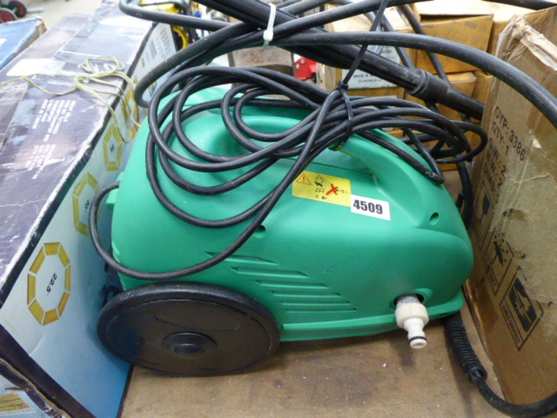 Lot 4509 - Small green pressure washer