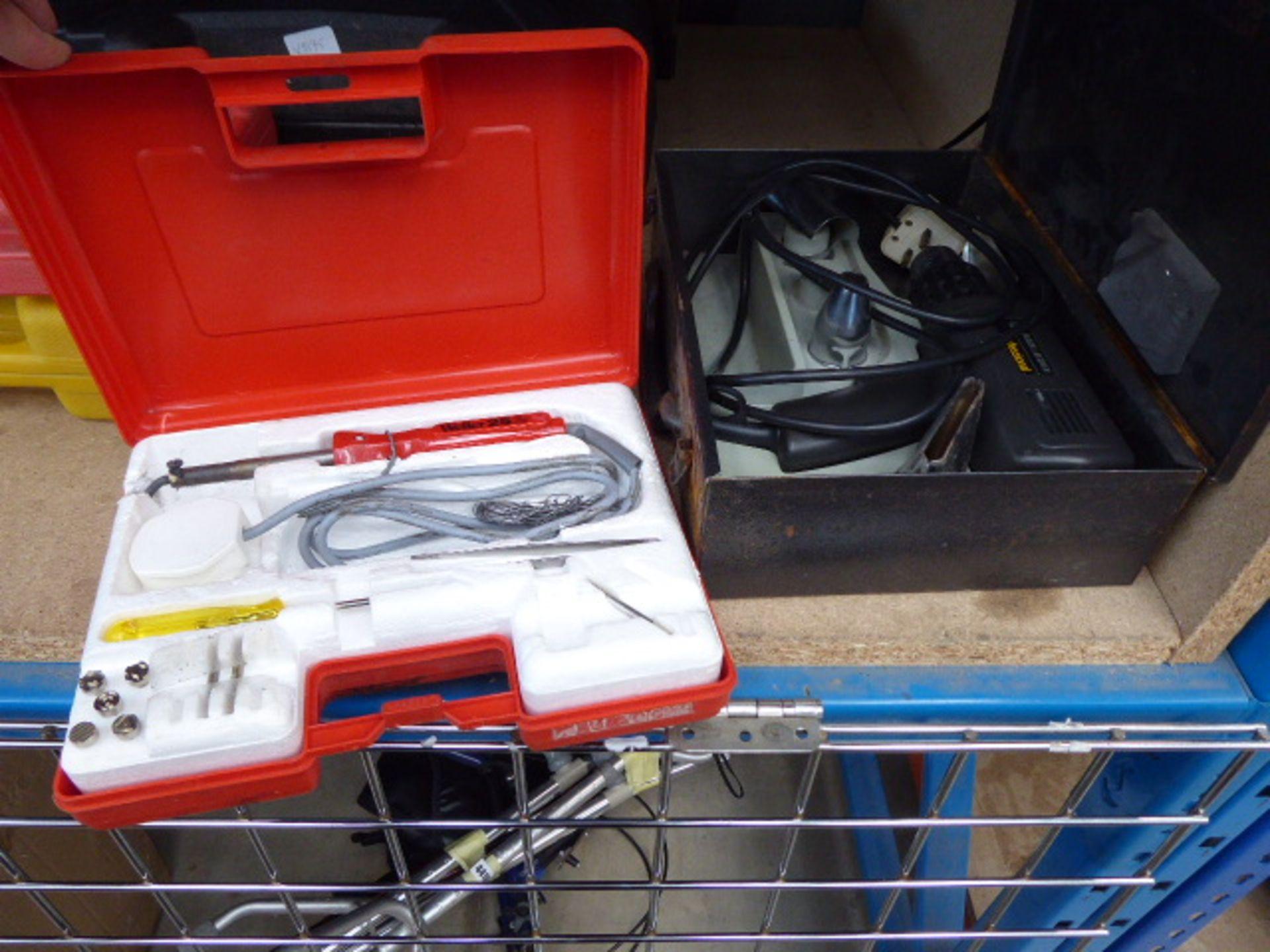 Lot 4452 - Soldero Pro kit, Weller soldering iron and hot air gun