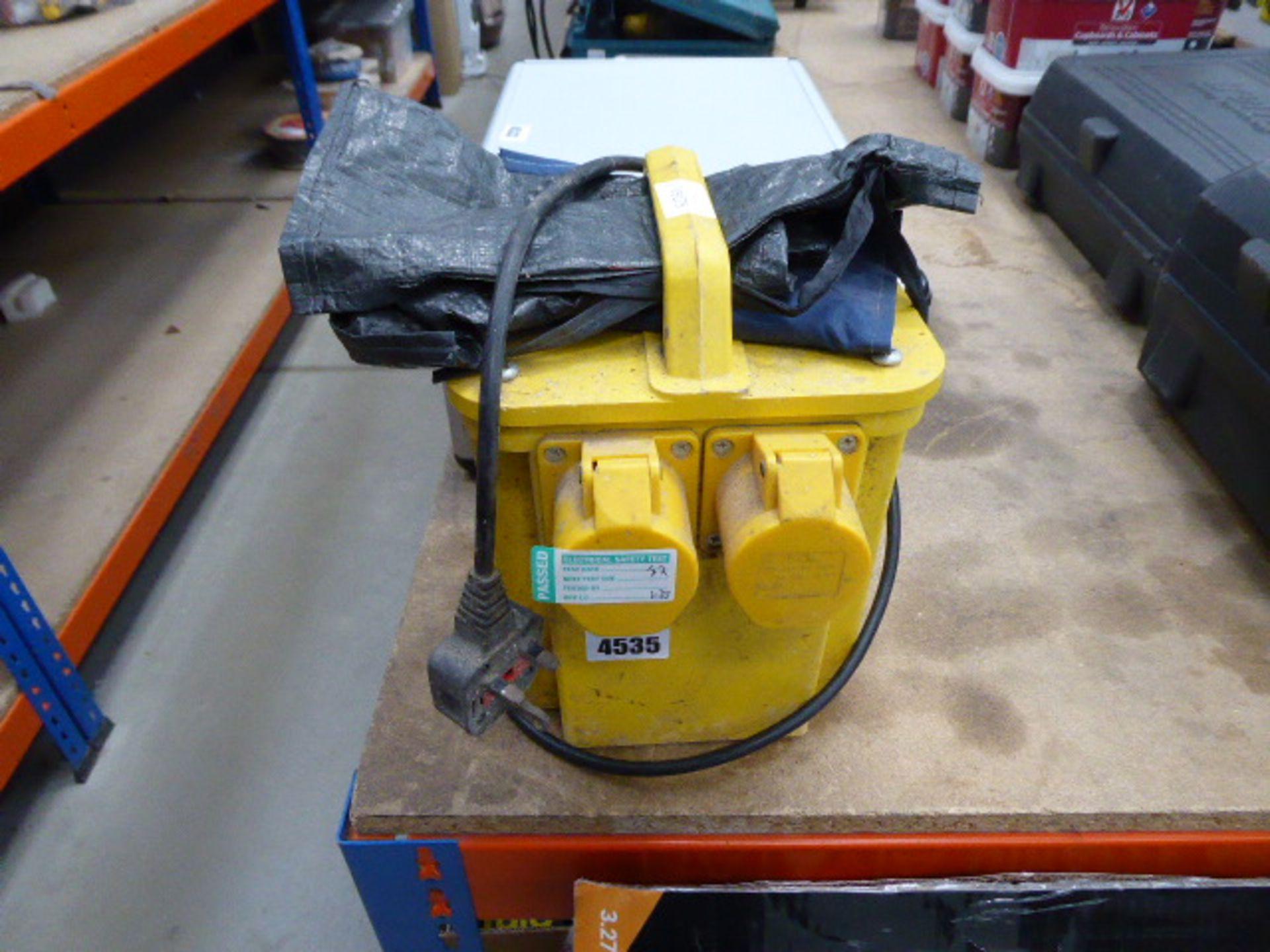 Lot 4535 - 110v transformer