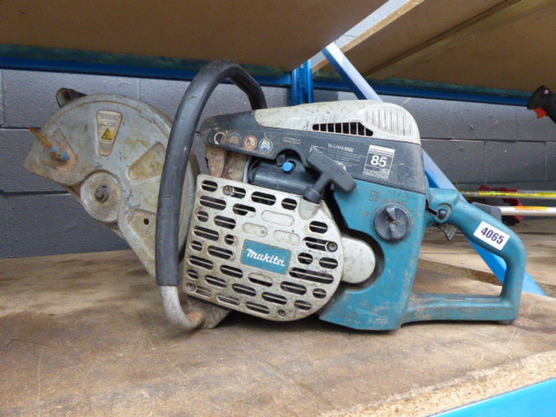Lot 4065 - Makita 12'' petrol powered disc cutter