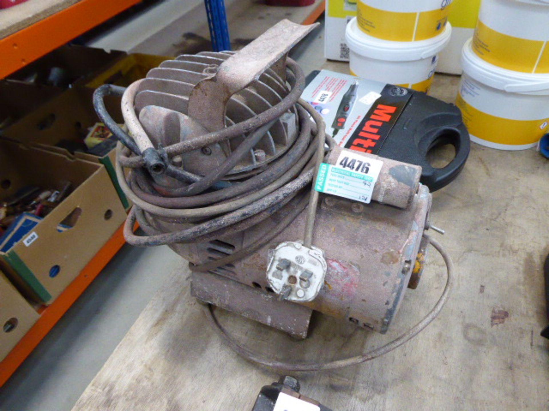 Lot 4476 - Small electric compressor