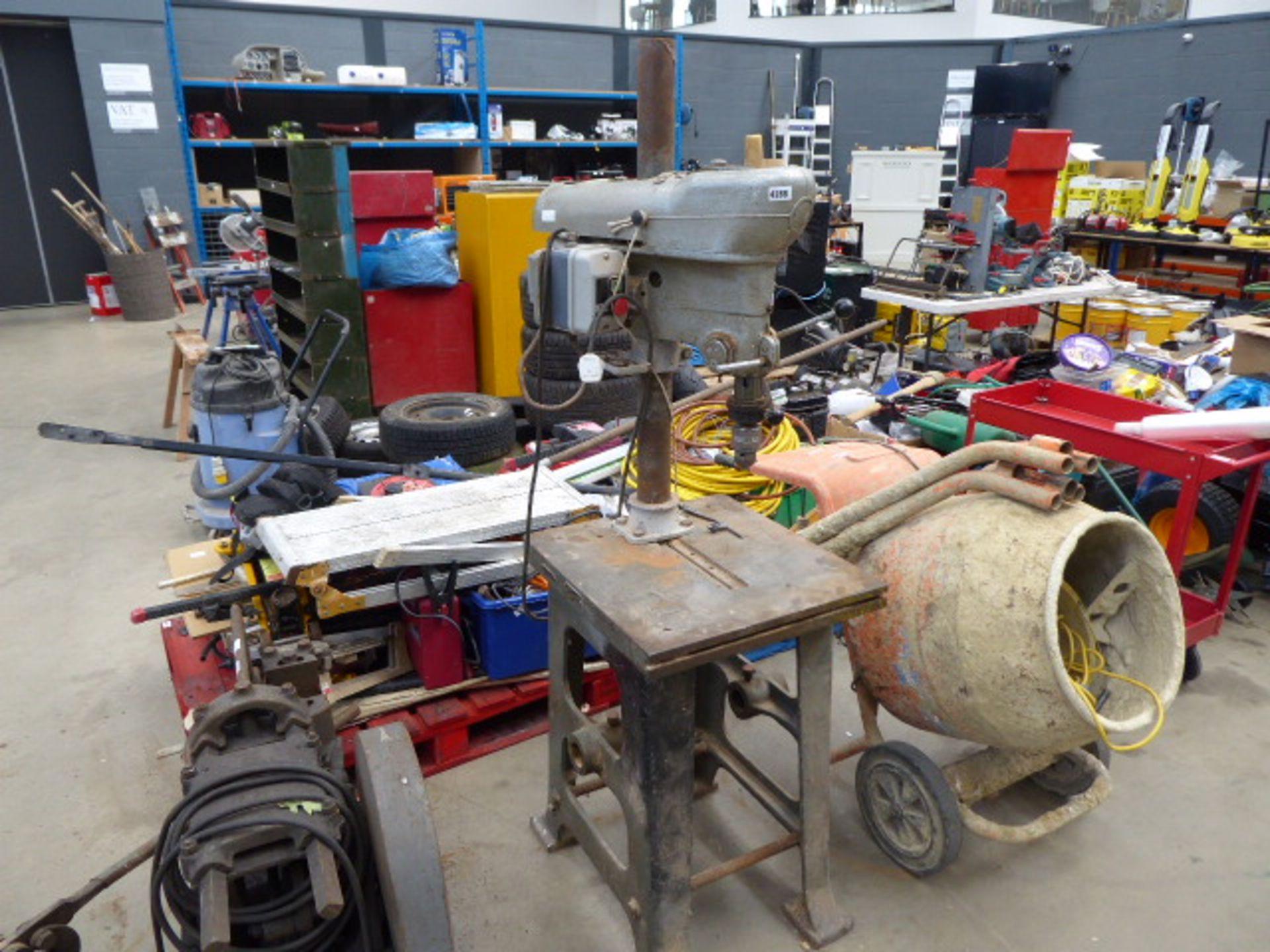 Lot 4288 - Pillar drill