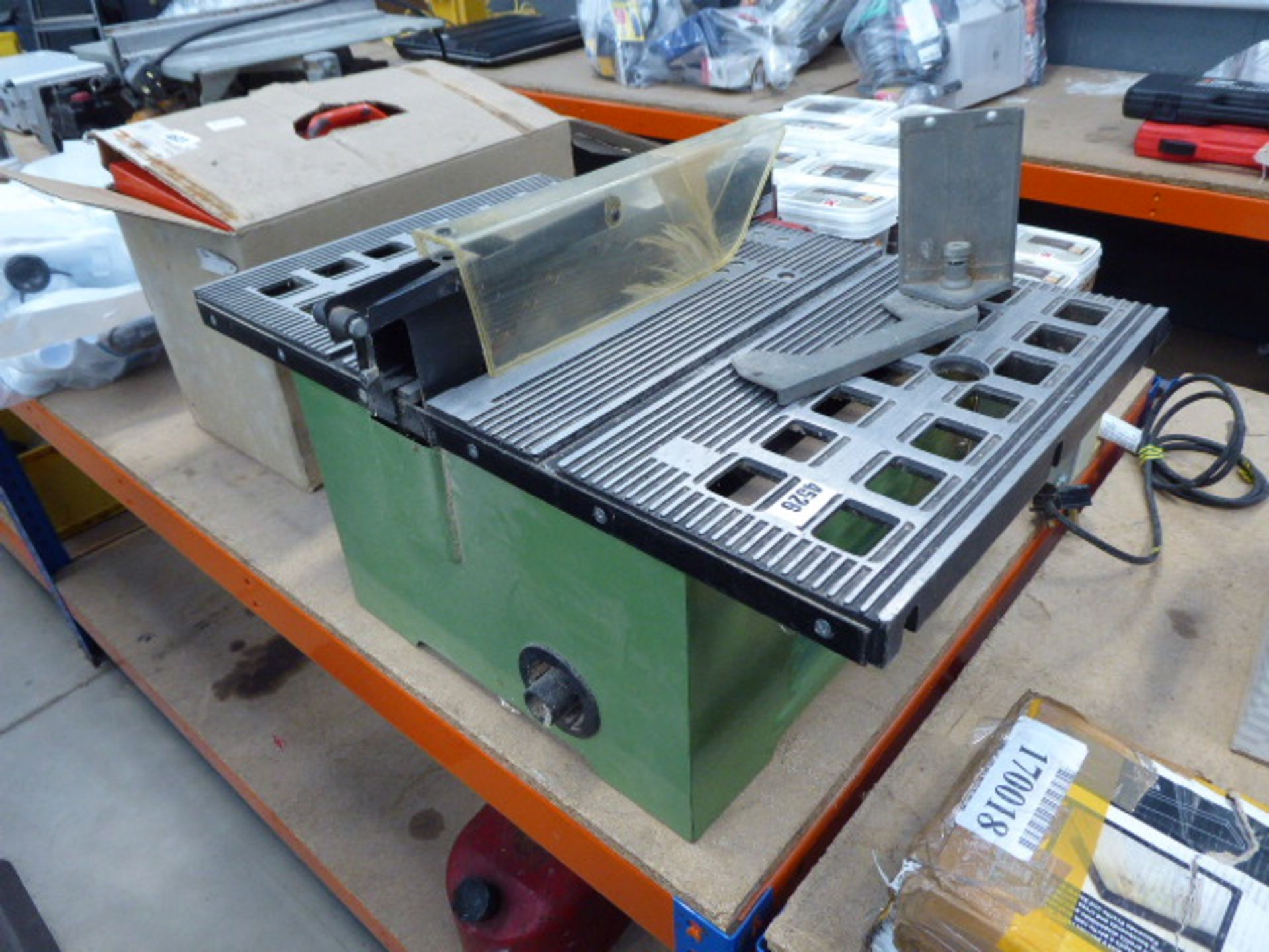 Lot 4526 - Bench saw