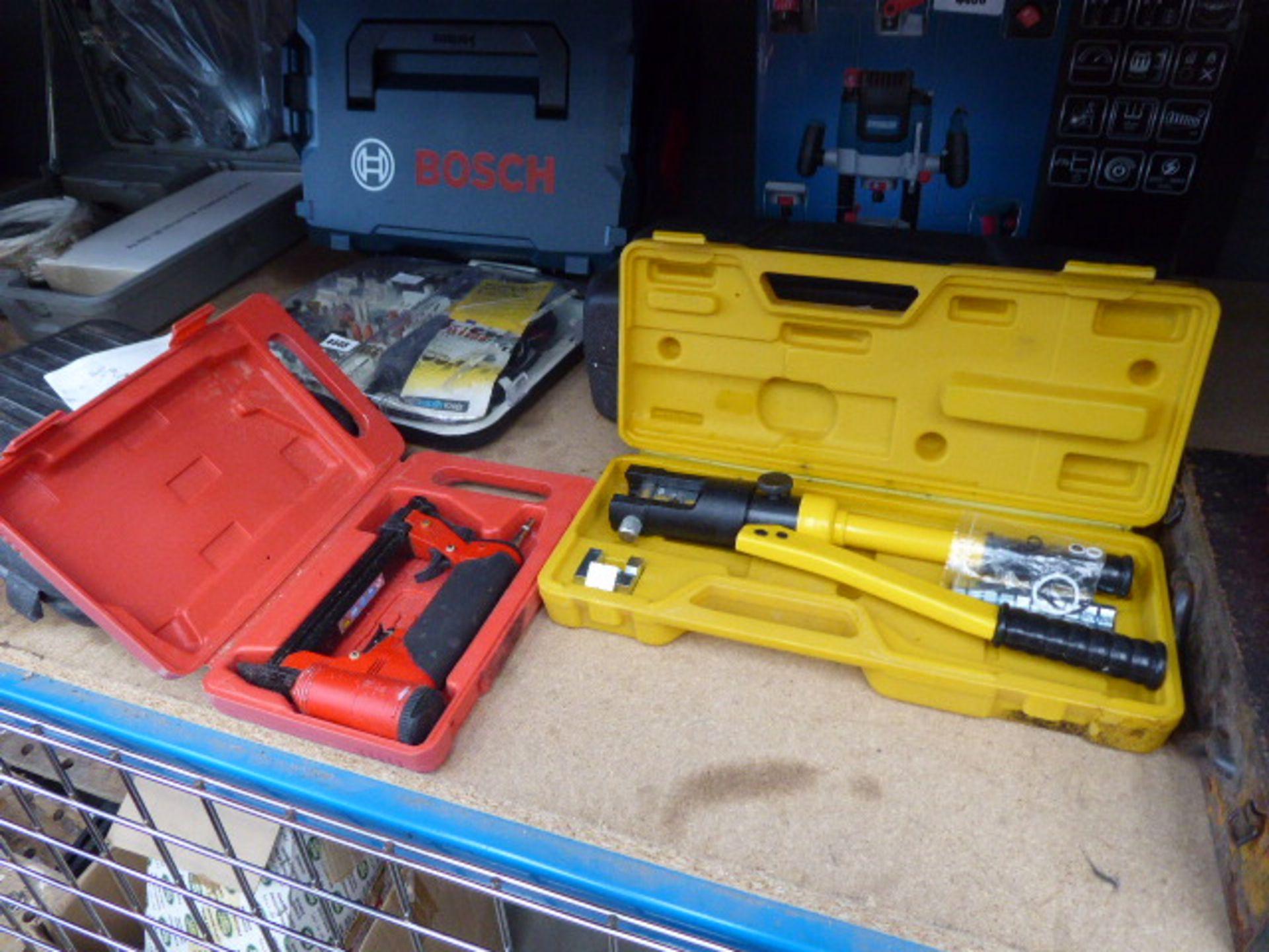 Lot 4451 - Air nailer, crimping tool and polisher