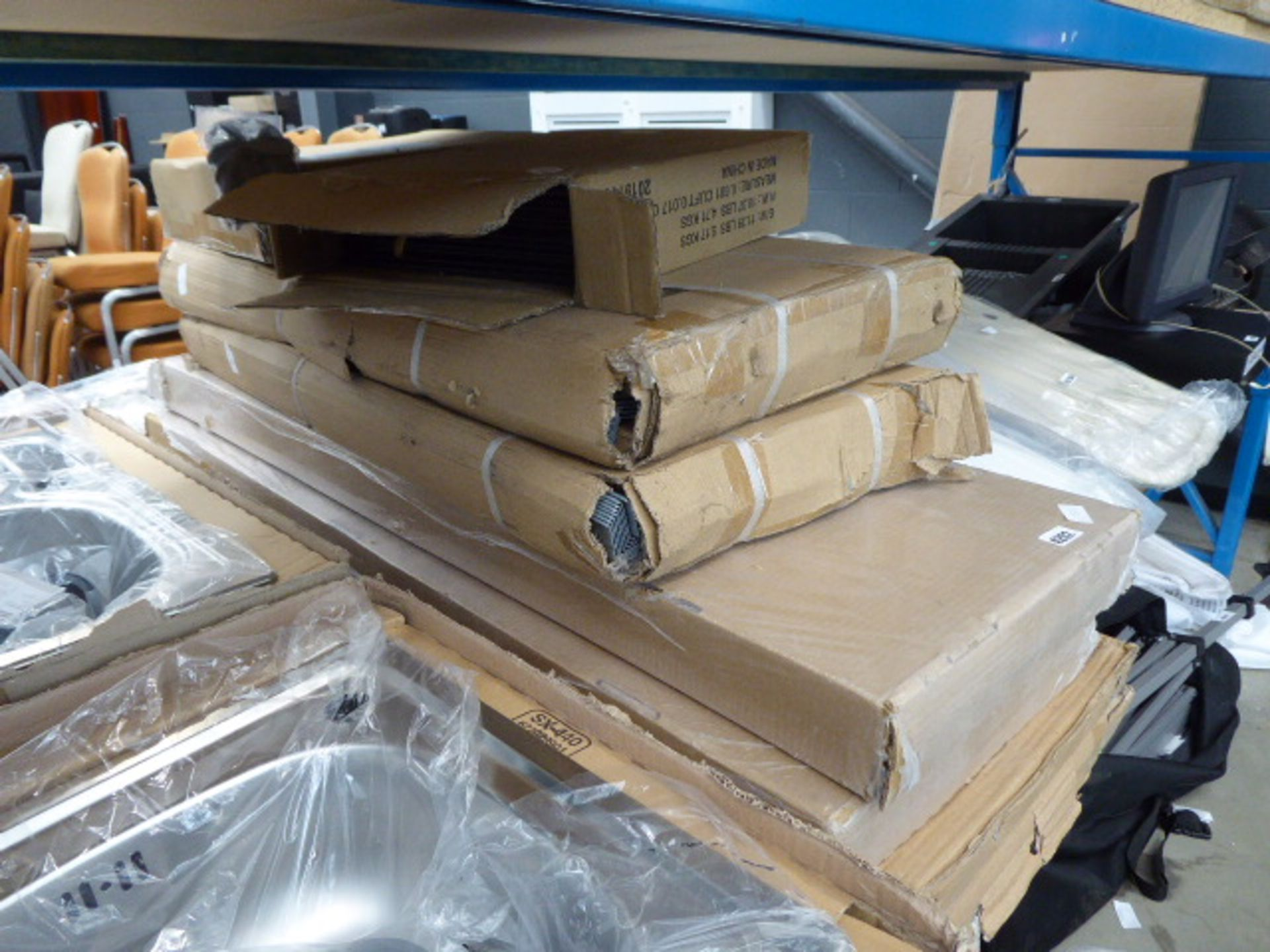 Lot 4202 - 6 large and 2 small boxes of shelving and racking (flatpck)