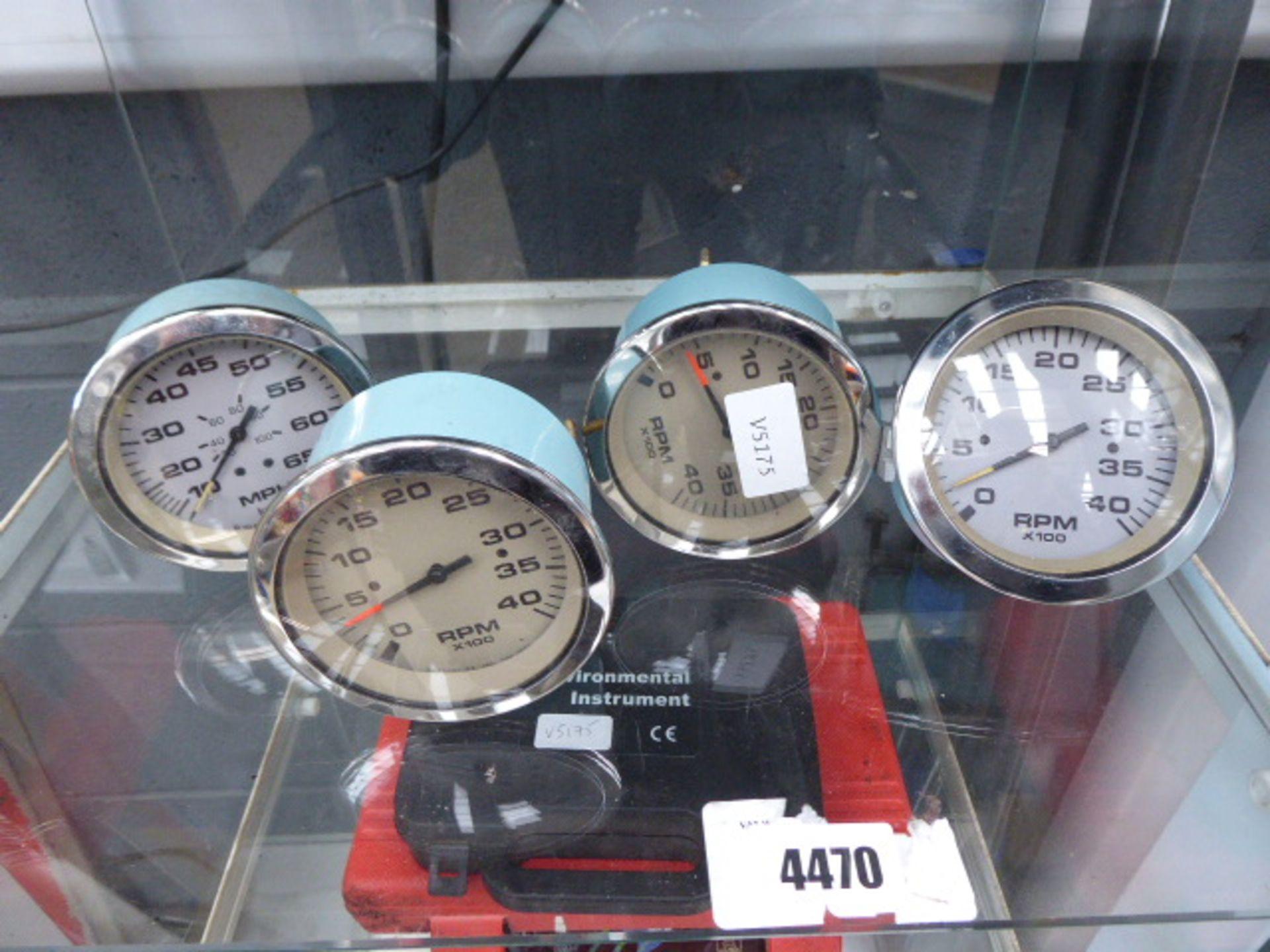 Lot 4470 - 4 vintage car gauges