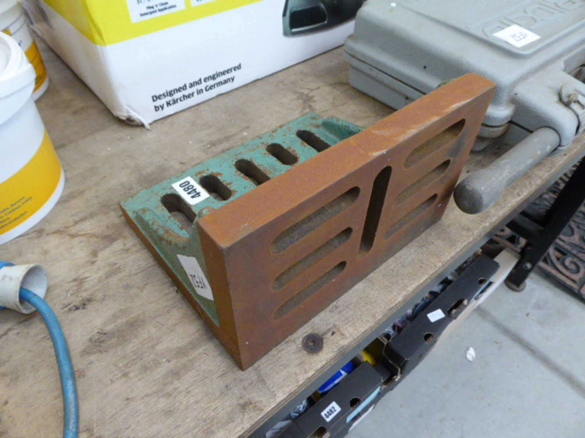 Lot 4480 - Engineers angle flat plate