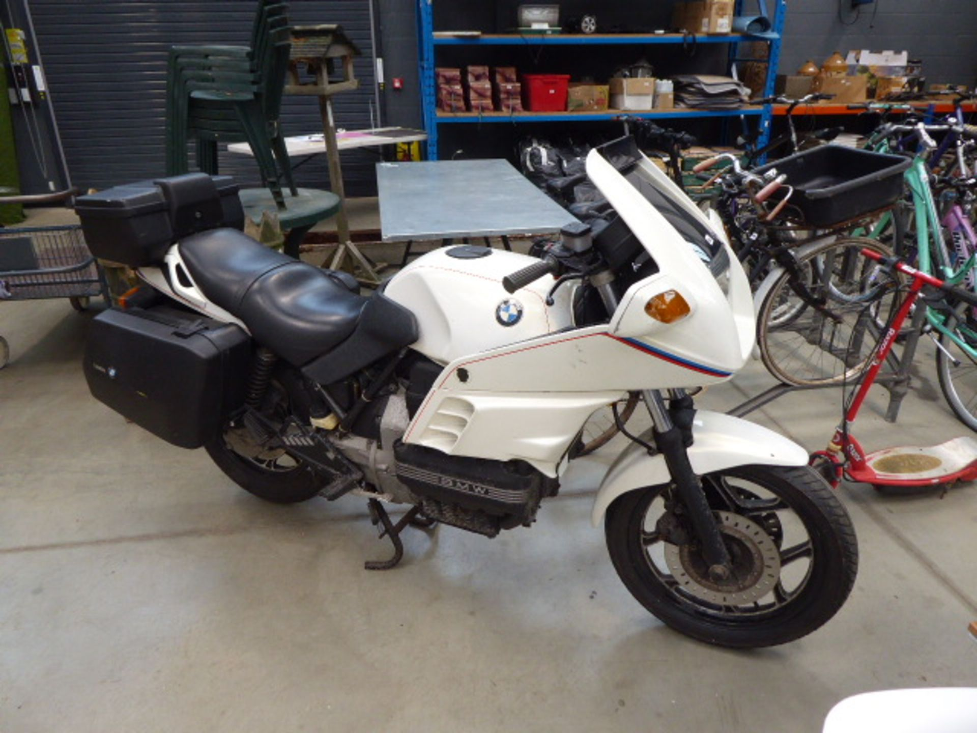 Lot 4046 - D678 YPJ (1987) BMW K100RS touring motorbike, petrol 1000cc in pearlescent white MOT: None
