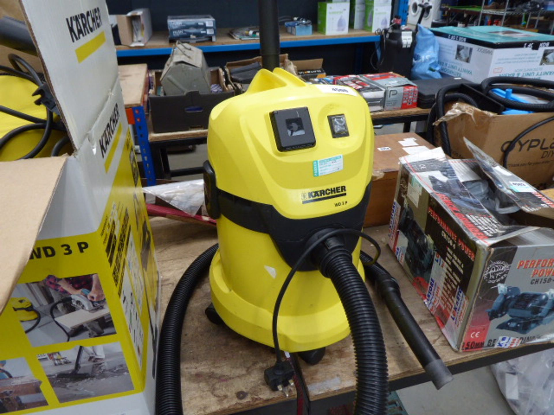Lot 4500 - Karcher unboxed vacuum cleaner