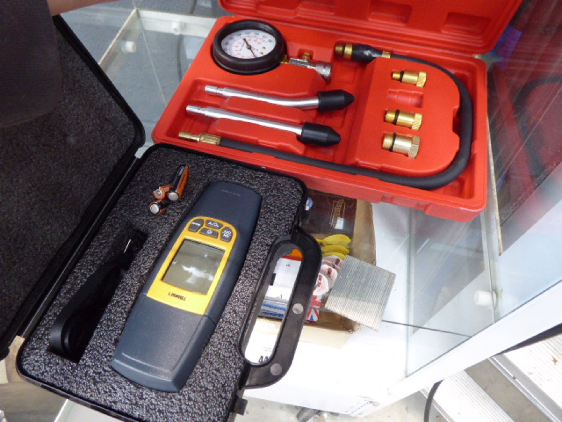 Lot 4471 - Environmental instrument and pressure tester