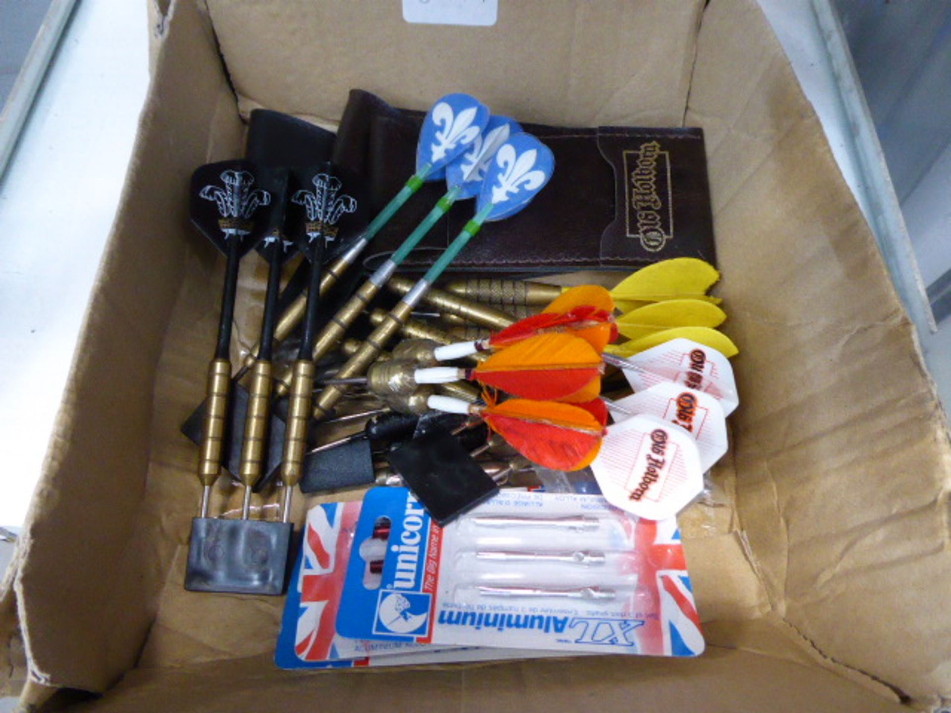 Lot 4472 - Quantity of darts