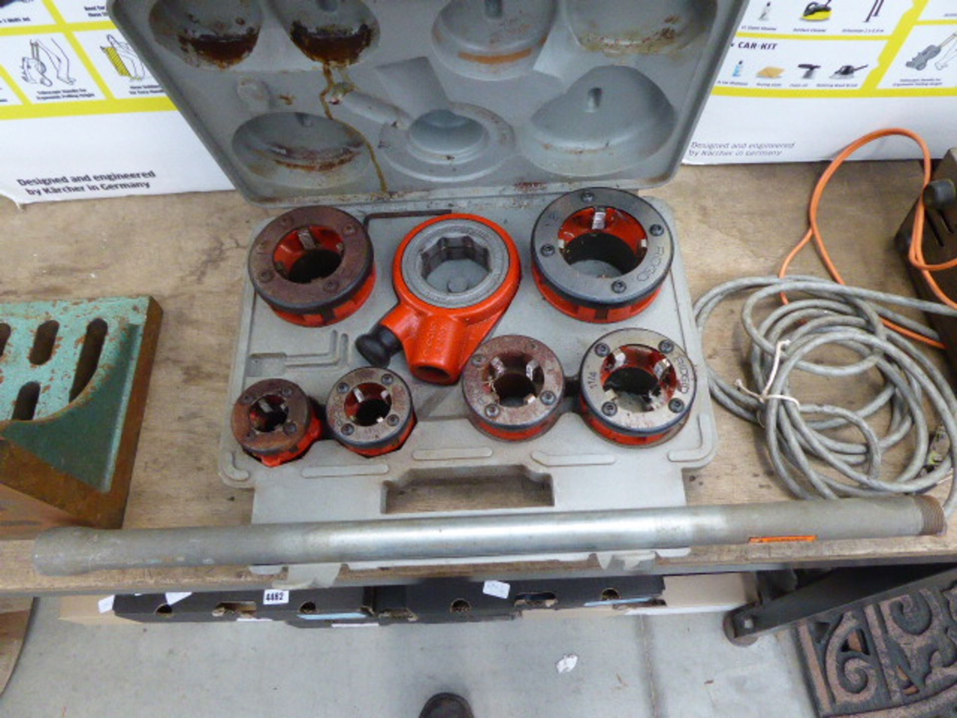 Lot 4483 - Rigid pipe threading kit