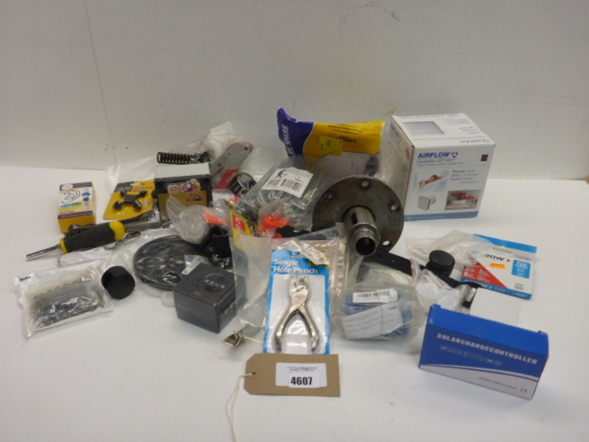 Lot 4607 - Large gear ring, air flow fan, arrow staples, ground pegs, Zeus bolt, small quantity of tools, solar