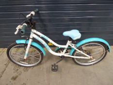 Child's bike in white and blue