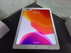 1014 iPad Pro 12.9'' 64GB tablet with cable (A1670)