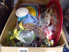 Box of mixed items, bowls, plates, mugs, etc