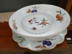 5070 Three pieces of Royal Worcester Evesham Vale crockery