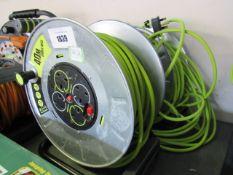 (4) 2 Masterplug 40m cable reels