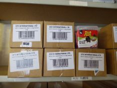 (1052) 5 boxes of The Big Cheese mouse and rat bair