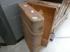 Canvas trunk with wooden ribs