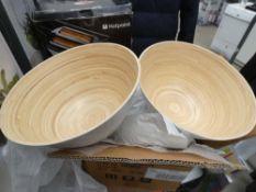 Box containing salad bowls