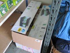 (1034) Box containing Tetra fish tank heaters