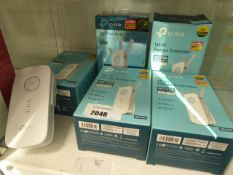 6 TP Link wi-fi range extenders model AC1750 (5 boxed, 1 unboxed)