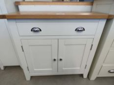 1079 Chester White Painted Oak 2 Door Small Sideboard (22a)