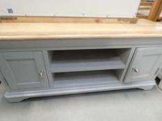 Ashbourne Grey Painted Large TV Unit (23)
