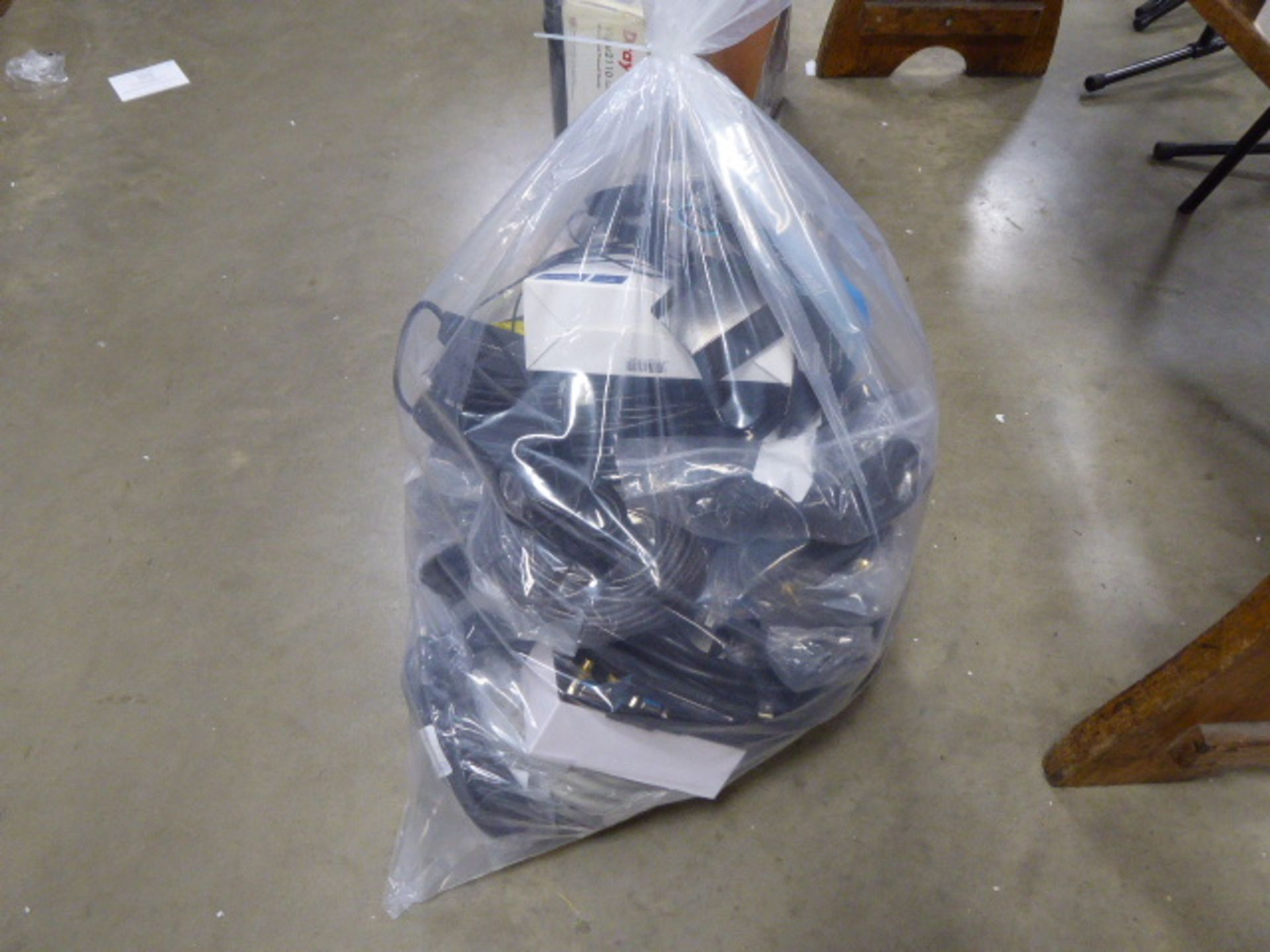 Bag containing a large quantity of HDMI audio and other extension cable kits - Image 2 of 2