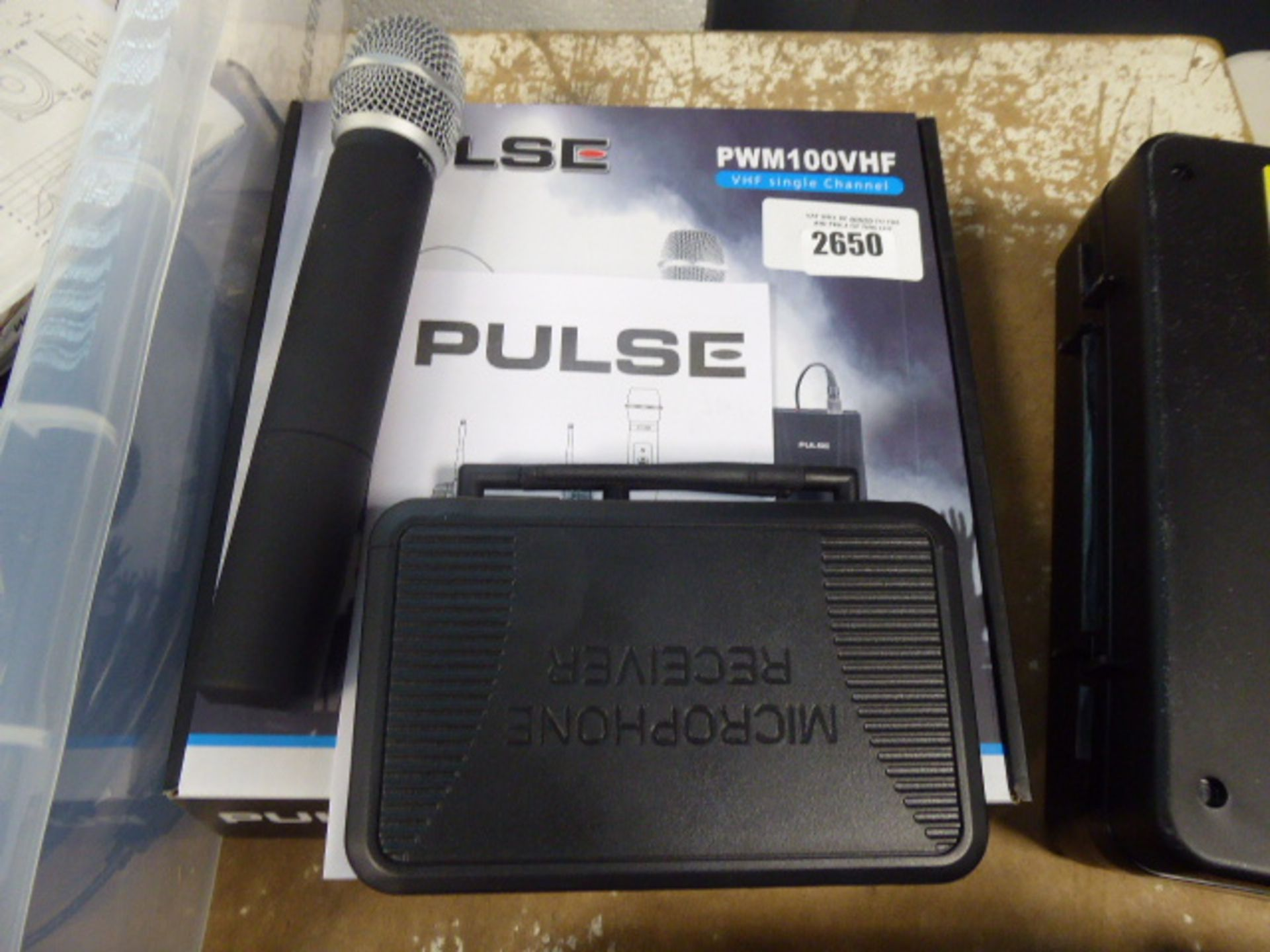 Pulse PWM100 VHF single channel receiver and microphone with box