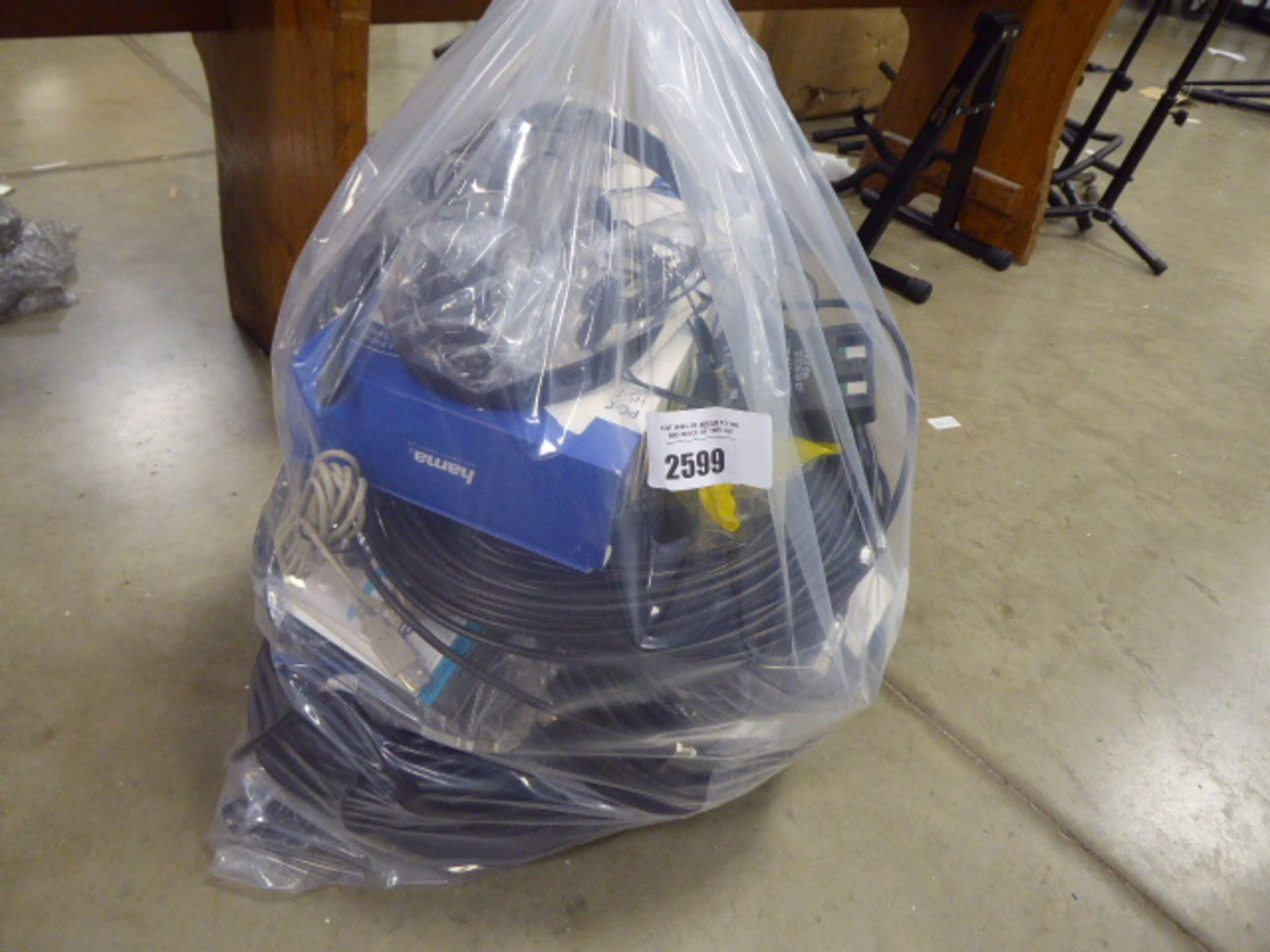 Bag containing a large quantity of HDMI audio and other extension cable kits