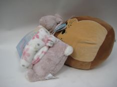 Little Miracles 2 set Snuggle Me Too blanket set and a original SquashMallow Cuddle Me cushion