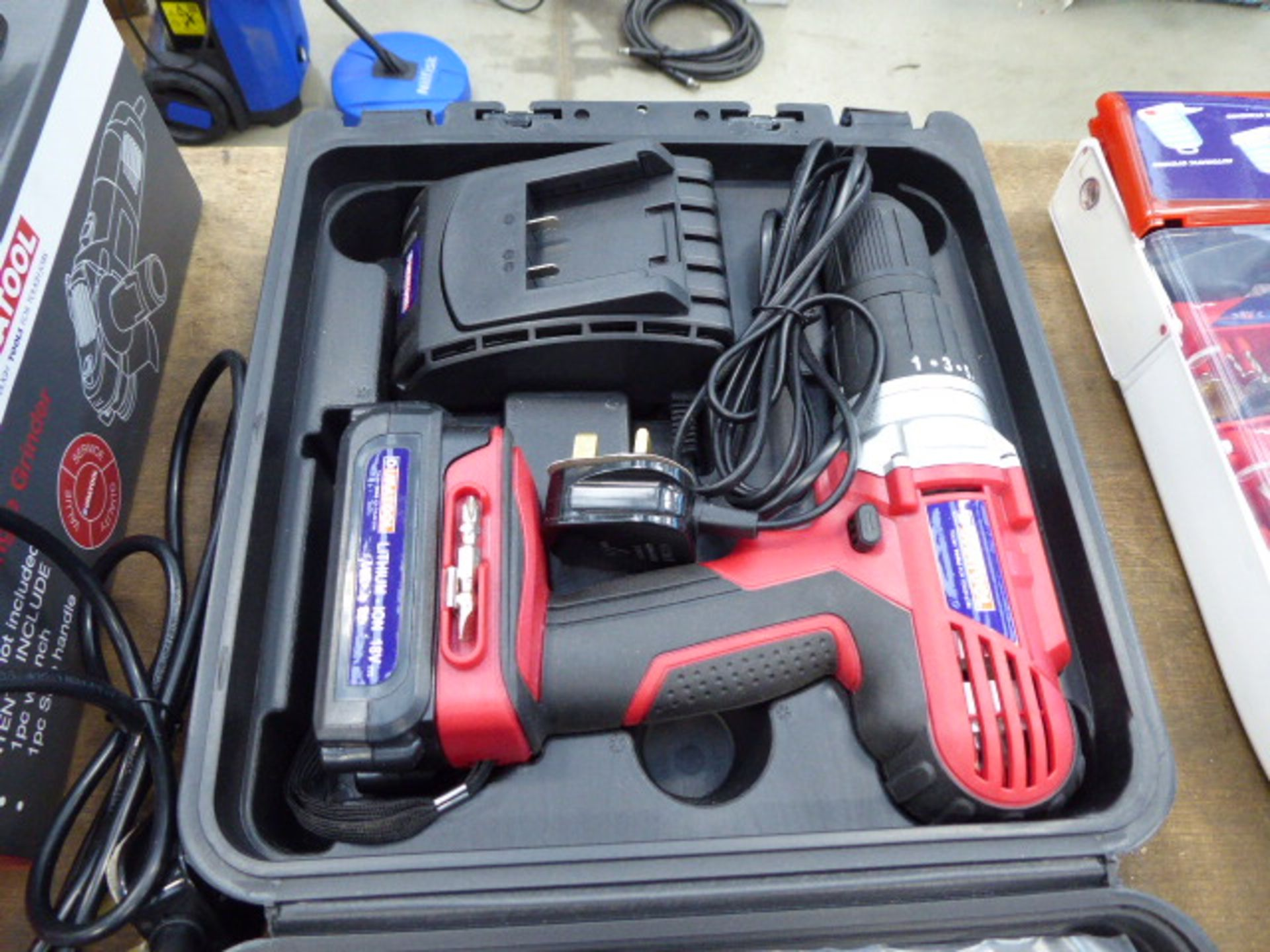 Duratool 18v cordless drill with 1 battery and charger